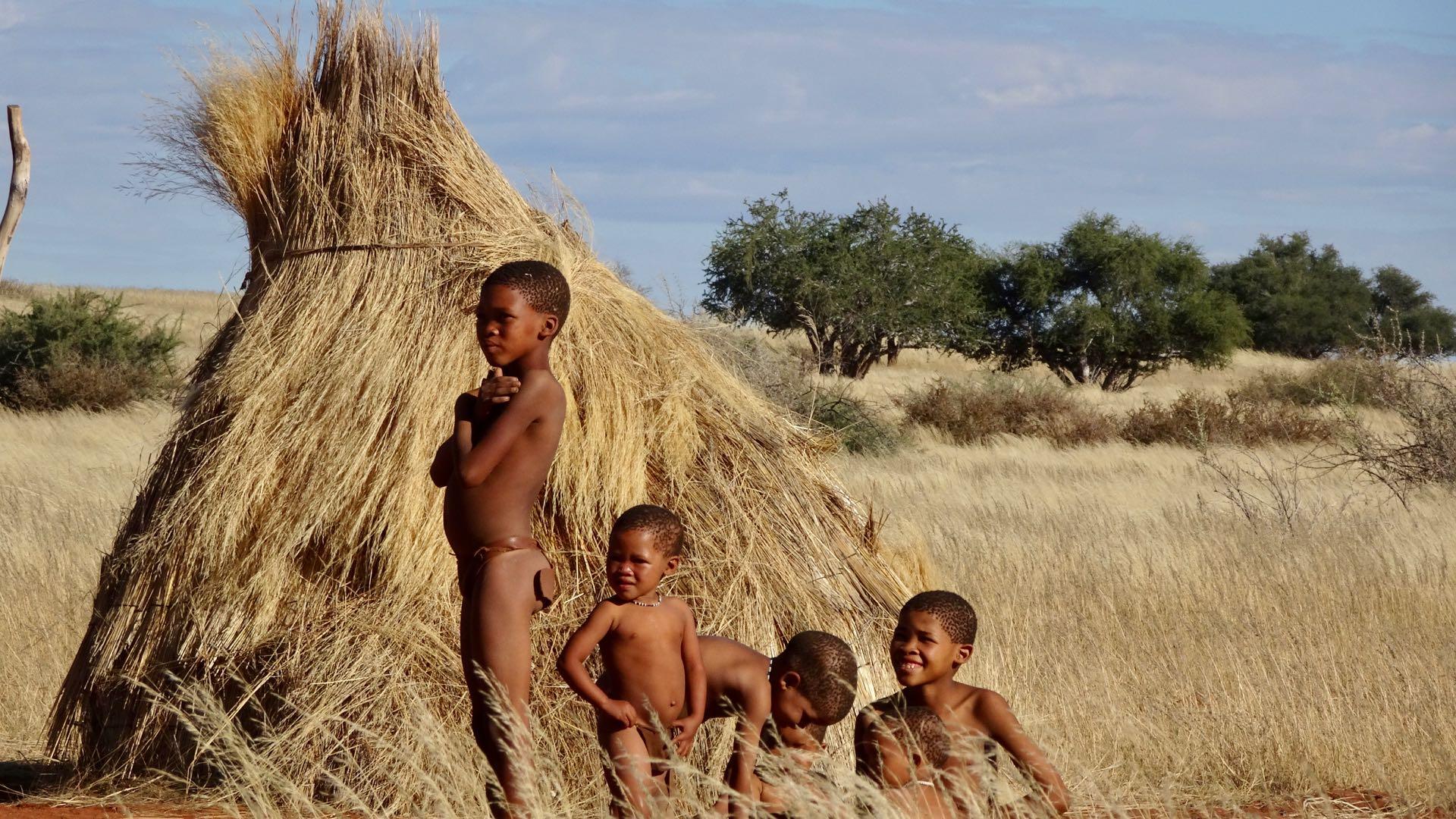 San bushmen kinderen Namibie