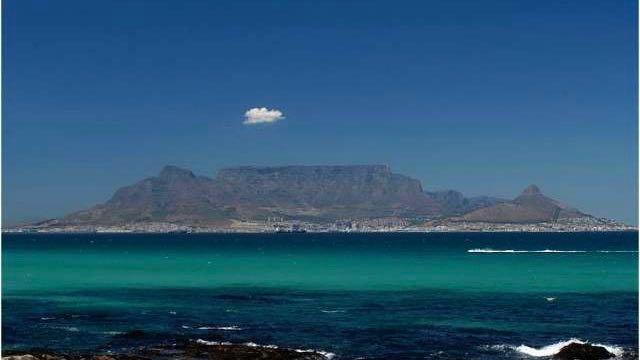 Tafelberg vanaf Bloubergstrand
