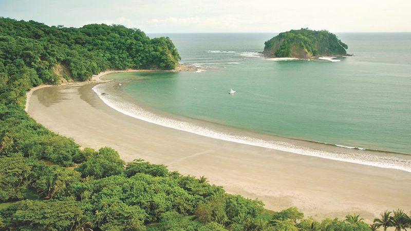 Strand Samara Irazu crater Costa Rica Rondreis Op Maat Specialist